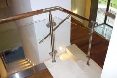 Bs-dr-sz2a - balustrada stal--szkło-drewno w pochwycie_372B