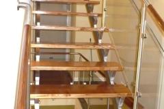 Bs-dr-sz2b - balustrada stal--szkło-drewno w pochwycie_373B