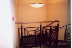 Bs-dr13d - balustrada stalowa z pochwytem drewnianym (Jachranka)