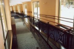Bs-dr13a_r - balustrada stalowa z pochwytem drewnianym