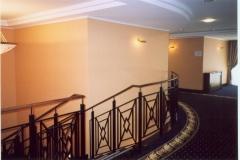 Bs-dr13c - balustrada stalowa z pochwytem drewnianym (Jachranka)