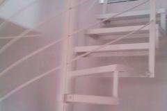 215K_Ks23c_ schody_kręcone_stal_zwykła_malowana_proszkowo_RAL_stopnie_blacha_gładka