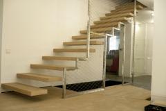 224K_Ks13e_schody z siatka drewniane trepy