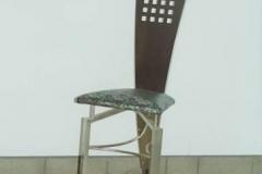 15M - krzeslo trojkatne srebrne