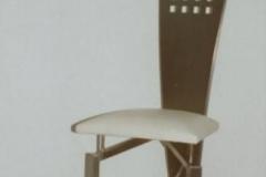 18M - krzeslo trojkatne biale