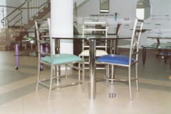 28M - stol okragly krzesla