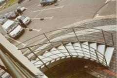 4K - schody czarne, zielony proszek (Villa Europa)