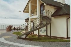 Ks1d - schody czarne, zielony proszek (Villa Europa)